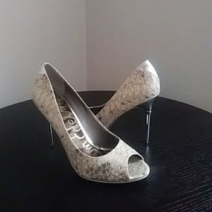 Sam Edelman Regan Peep Toe Pump Size 6.5